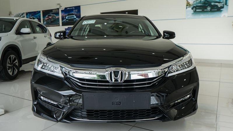 So sánh xe Honda Accord 2019 và đời cũ qua ảnh a4