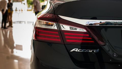 So sánh xe Honda Accord 2019 và đời cũ qua ảnh a19