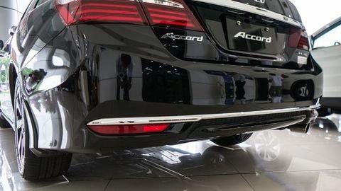 So sánh xe Honda Accord 2019 và đời cũ qua ảnh a16