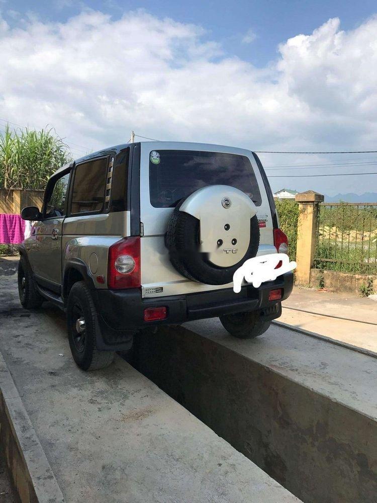 Gia đình bán Ssangyong Korando năm 2004, màu bạc, nhập khẩu-0