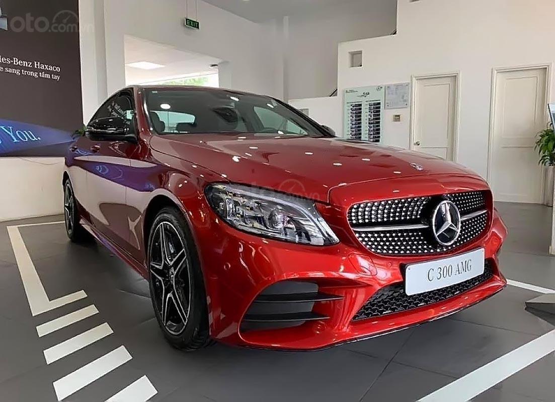Bán xe Mercedes C300 AMG năm sản xuất 2019, màu đỏ (1)