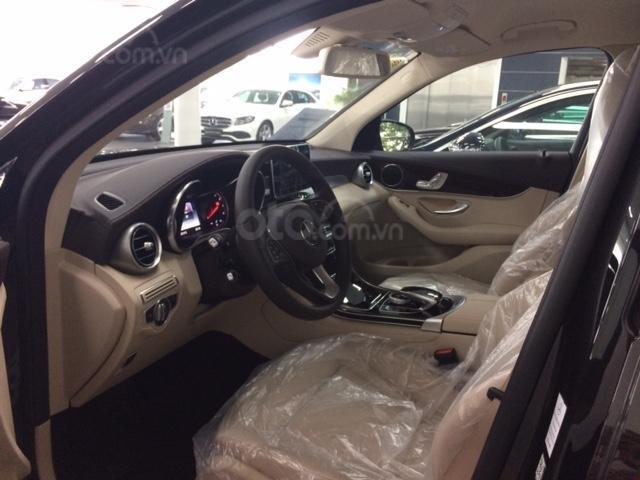 Bán Mercedes-Benz GLC200 đăng ký 2019, màu đen/nội thất kem beige, đi được 38 km (5)