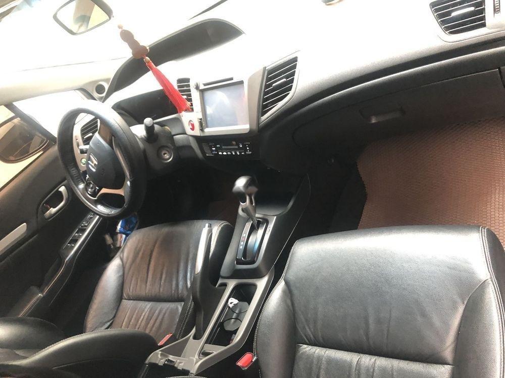 Chính chủ bán Honda Civic sản xuất 2014, màu trắng (4)