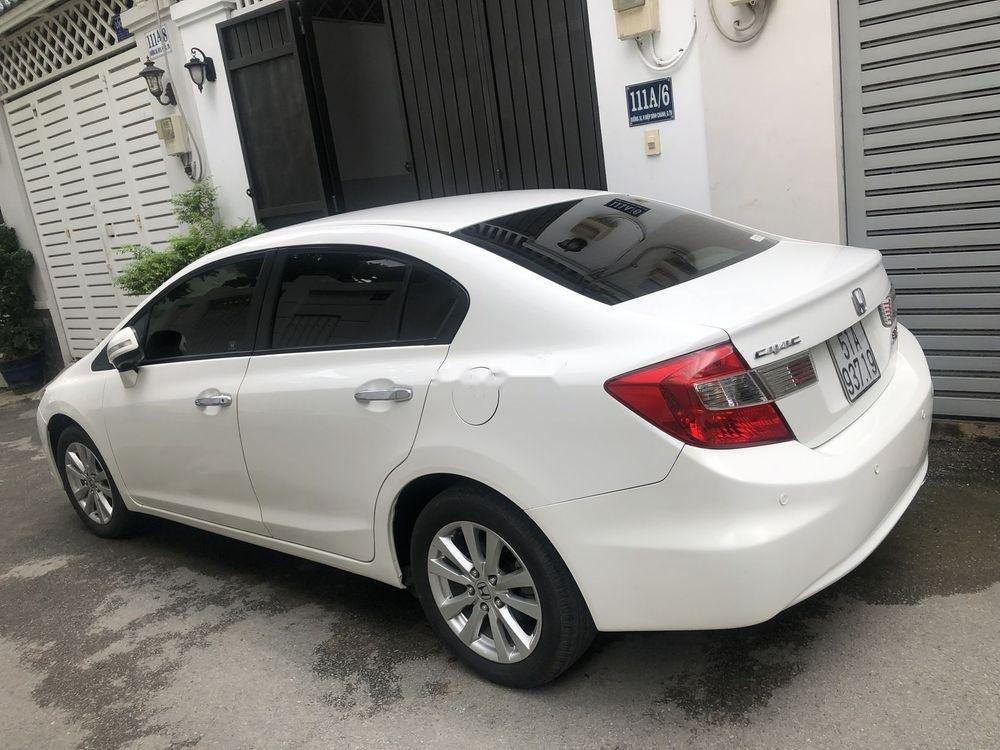 Chính chủ bán Honda Civic sản xuất 2014, màu trắng (1)