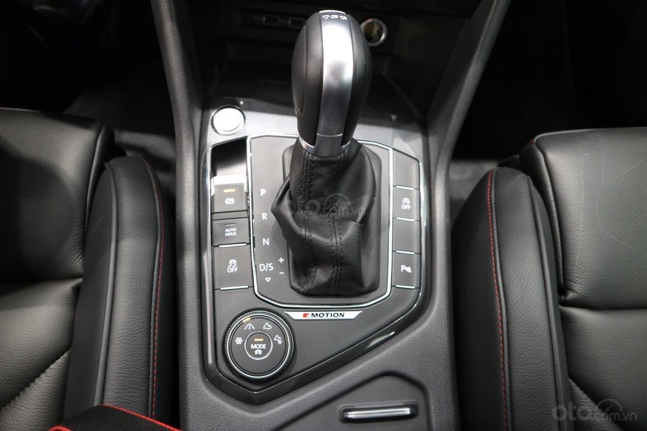 Volkswagen Tiguan Allspace 7 chỗ phiên bản Luxury hoàn hảo màu đỏ. Ưu đãi về giá, giao ngay (5)