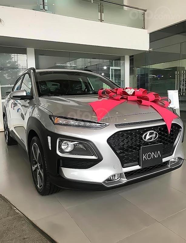 Bán xe Hyundai Kona 2.0 ATH sản xuất năm 2019, màu trắng (2)