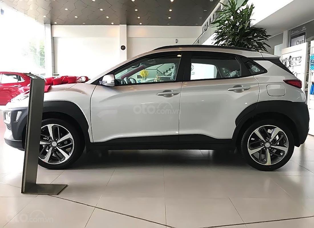 Bán xe Hyundai Kona 2.0 ATH sản xuất năm 2019, màu trắng (1)