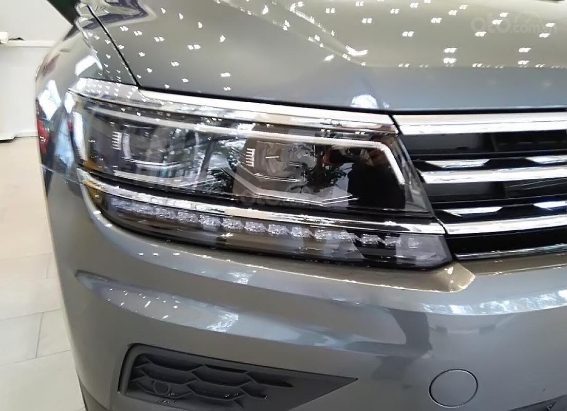 Cần bán xe Volkswagen Tiguan Allspace năm sản xuất 2019, màu xám, xe nhập (3)