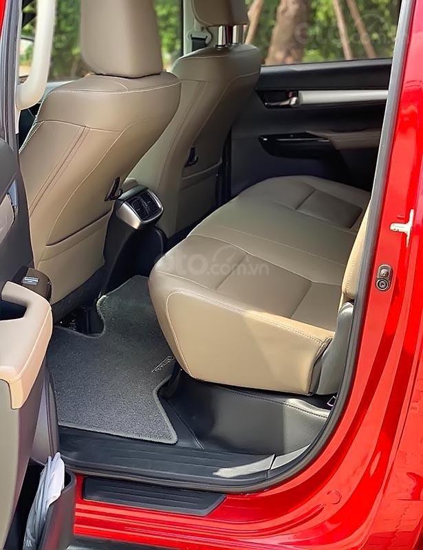 Cần bán Toyota Hilux G 2.8 AT 4x4 sản xuất 2016, màu đỏ, xe nhập (3)