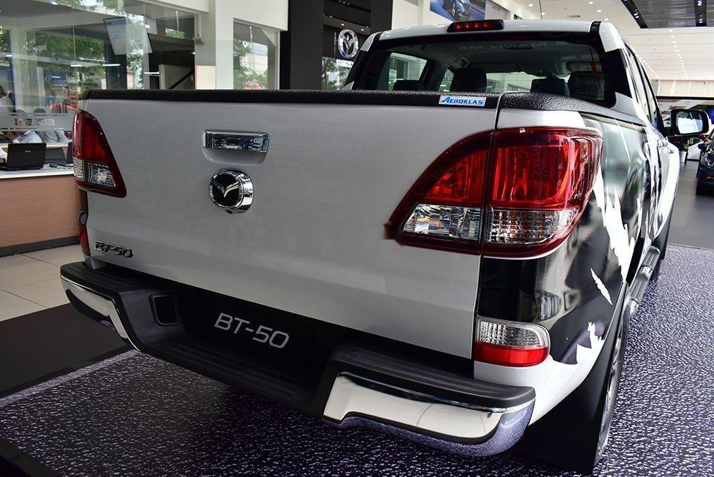 Bán Mazda BT 50 sản xuất 2019, màu trắng, xe nhập (5)