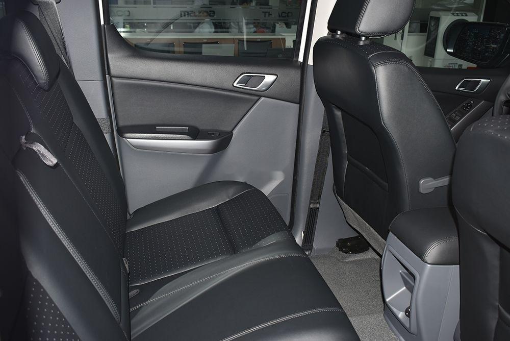 Bán Mazda BT 50 sản xuất 2019, màu trắng, xe nhập (4)
