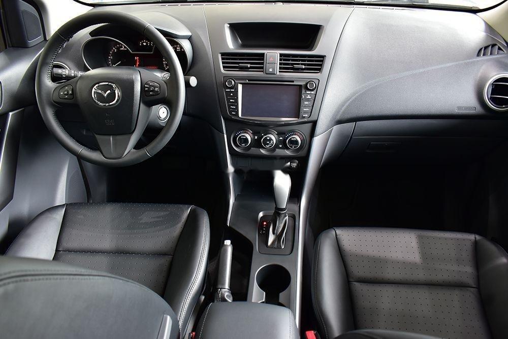 Bán Mazda BT 50 sản xuất 2019, màu trắng, xe nhập (3)