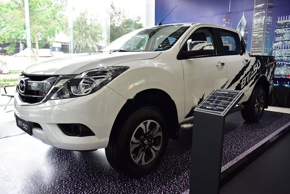Bán Mazda BT 50 sản xuất 2019, màu trắng, xe nhập (1)