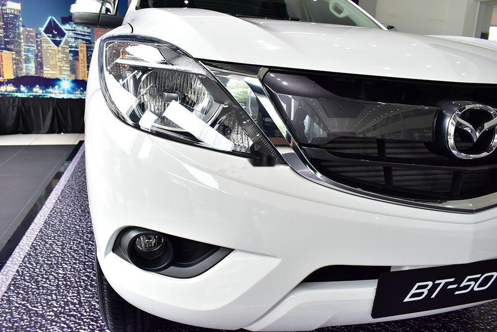 Bán Mazda BT 50 sản xuất 2019, màu trắng, xe nhập (2)