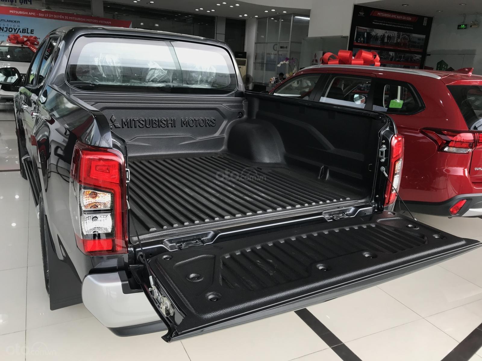 Bán Mitsubishi Triton sản xuất 2019, màu xám (ghi), nhập khẩu nguyên chiếc, giá chỉ 819 triệu-2