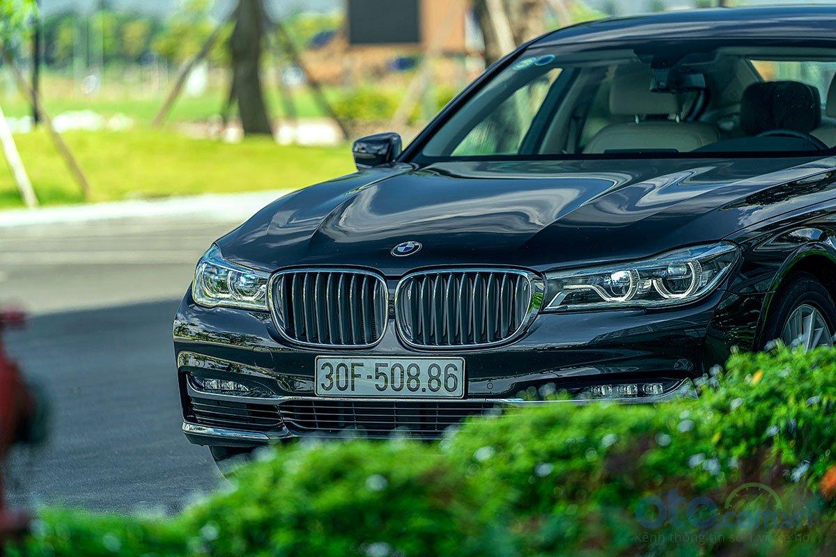 Đánh giá xe BMW 730Li 2019: Đầu xe.