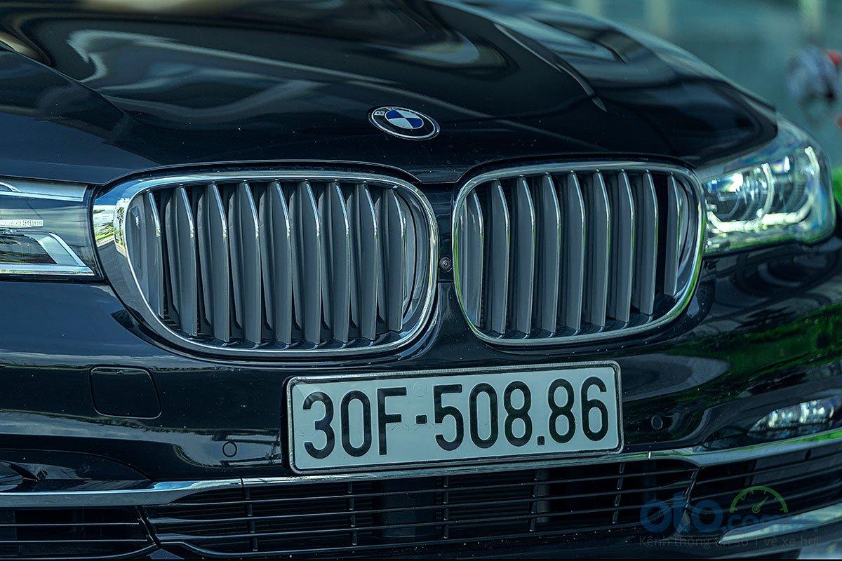 Đánh giá xe BMW 730Li 2019: Lưới tản nhiệt thông minh.