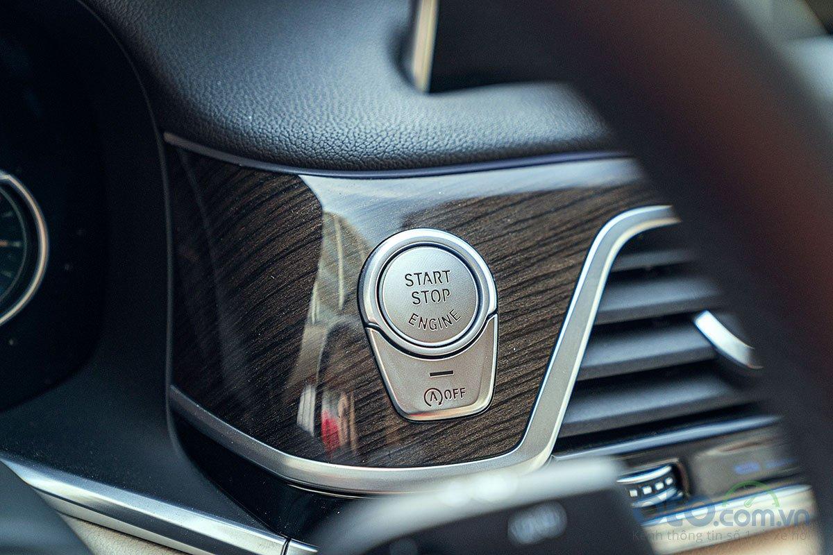 Đánh giá xe BMW 730Li 2019: nút bấm khởi động.