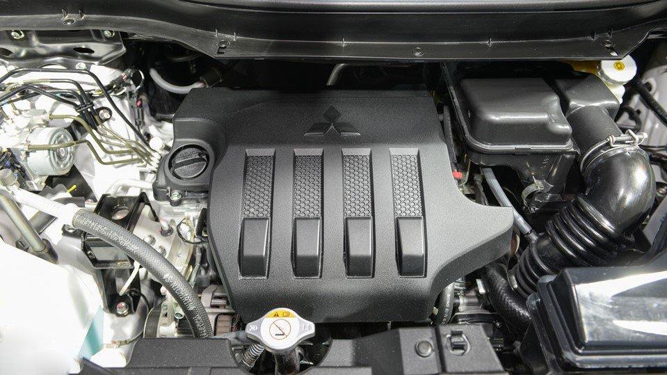 So sánh xe Mitsubishi Xpander 2019 và Suzuki Ertiga 2019: Động cơ xe Xpander 1