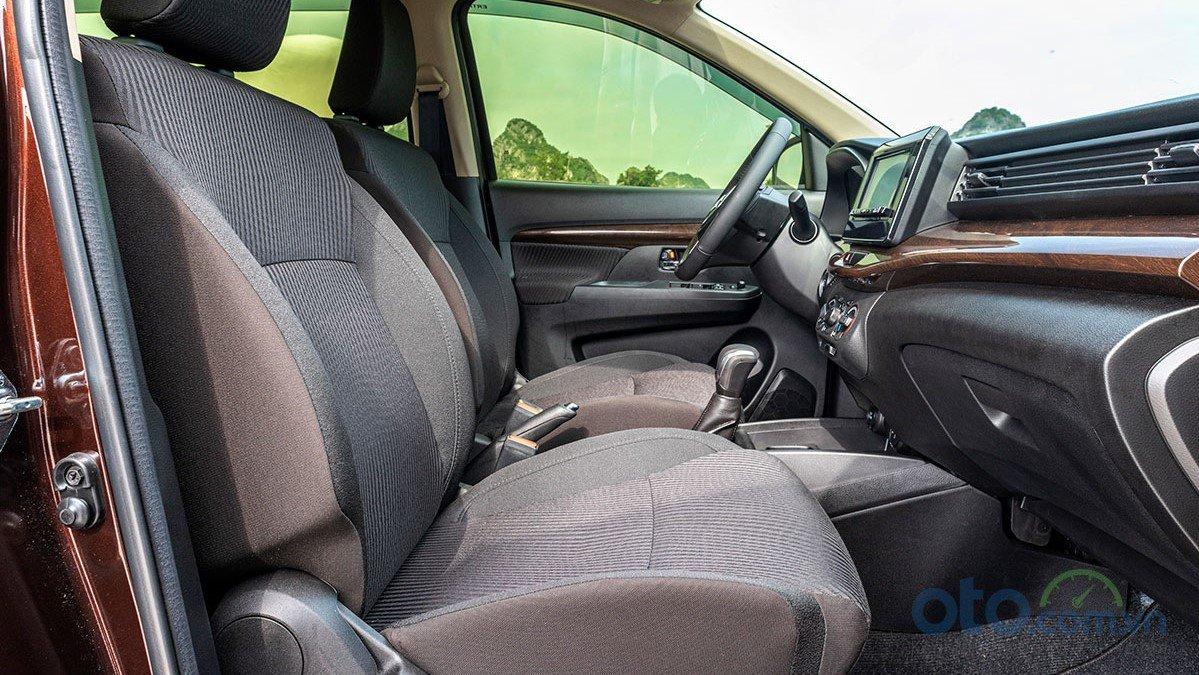 Ghế lái trên xe Suzuki Ertiga 2019 chỉnh cơ 1