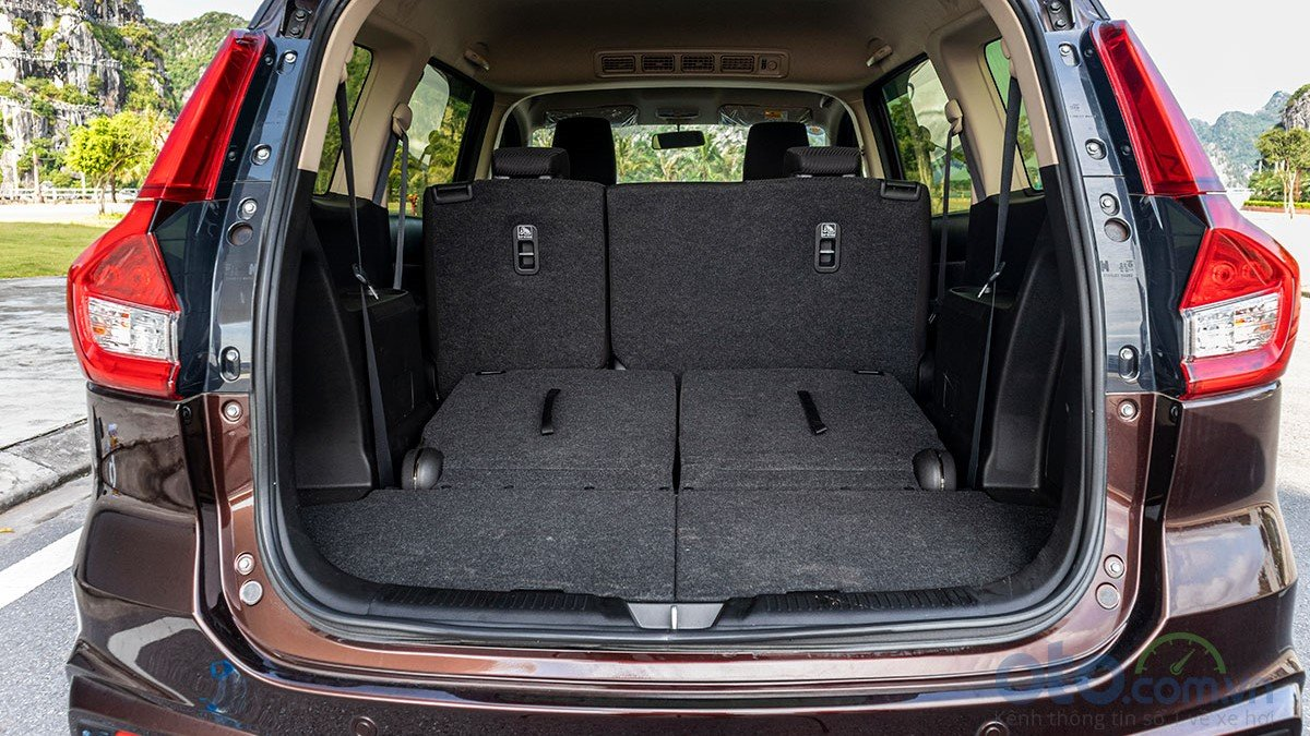 So sánh xe Mitsubishi Xpander 2019 và Suzuki Ertiga 2019: Khoang hành lý Ertiga 1