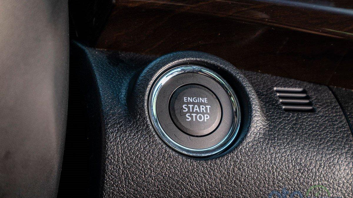 So sánh xe Mitsubishi Xpander 2019 và Suzuki Ertiga 2019: Nút bấm khởi động của Ertiga 1
