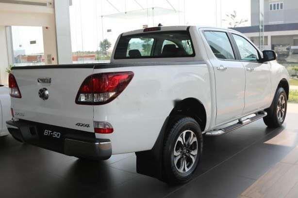 Cần bán Mazda BT 50 đời 2019, màu trắng, nhập khẩu  -3
