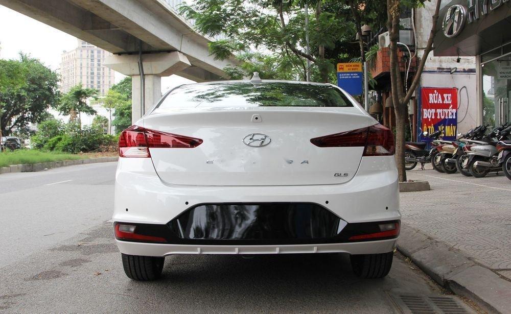 Bán xe Hyundai Elantra sản xuất năm 2019, màu trắng (3)