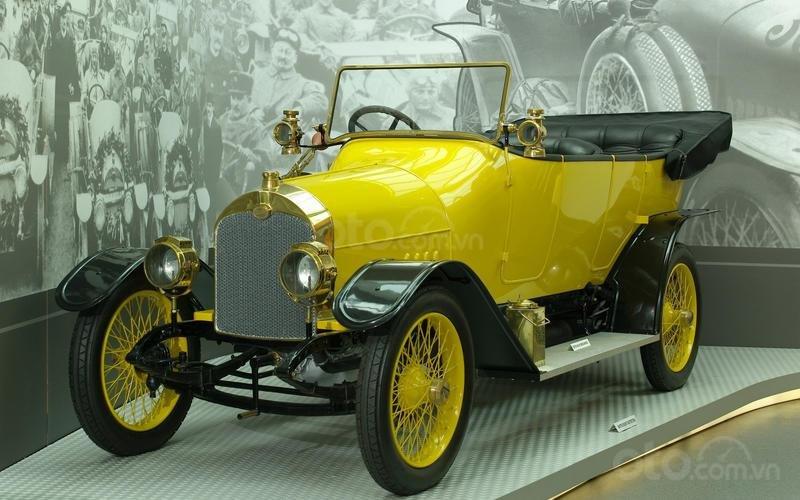 Ô tô Audi bắt đầu được sản xuất.