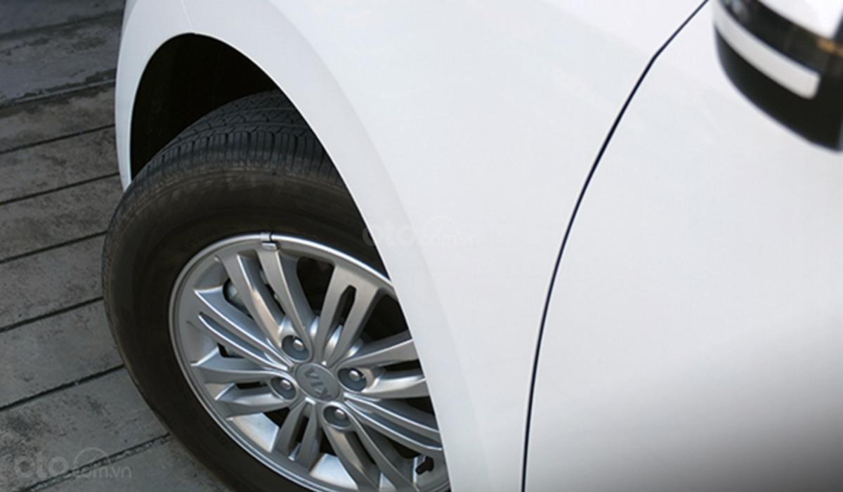 Đánh giá xe Kia Soluto 2019 về thân xe - Lazăng cuốn hút