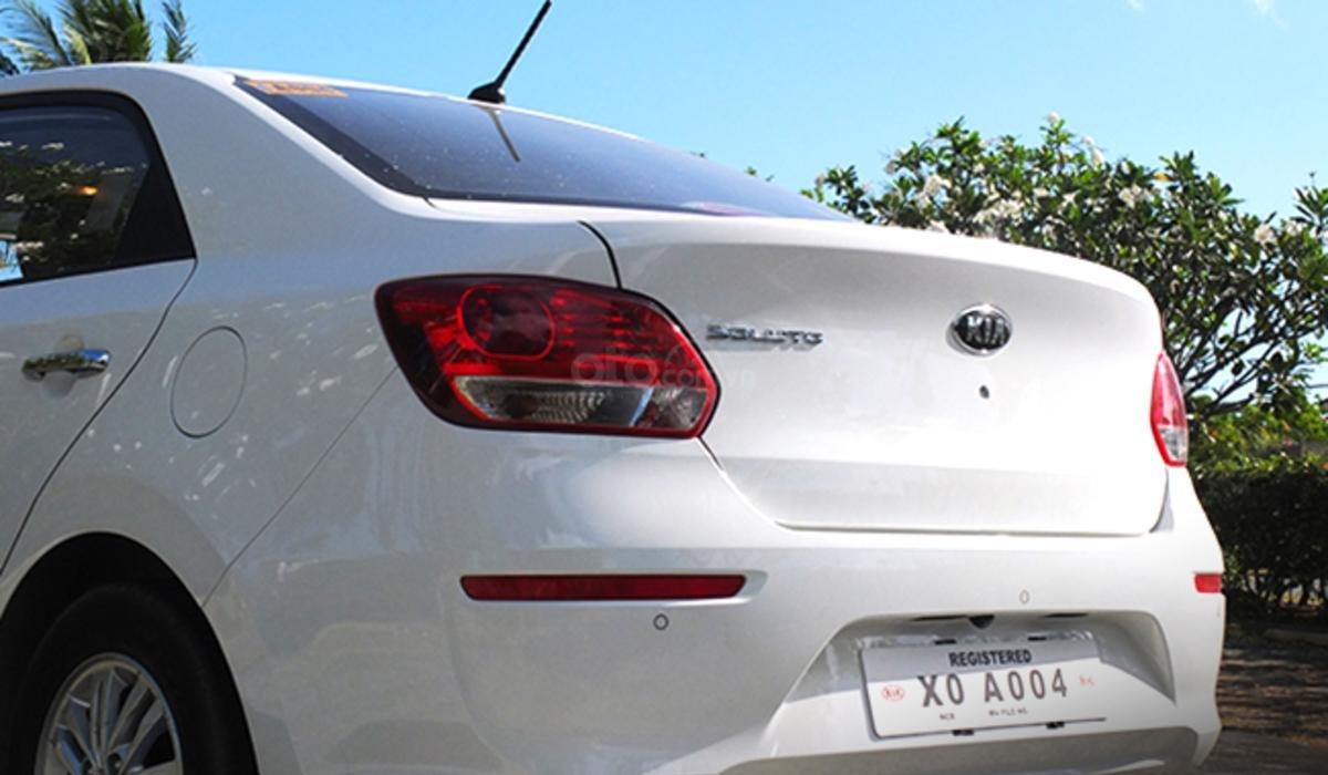 Đánh giá xe Kia Soluto 2019 về đuôi xe - Cái kết khá nhàm chán