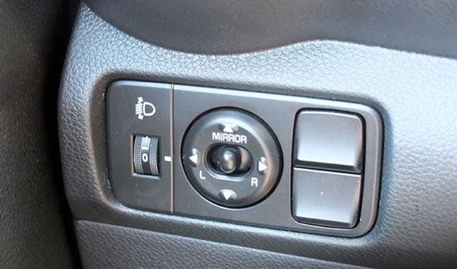 Đánh giá xe Kia Soluto 2019 về tính năng an toàn - Đảm bảo tầm nhìn, tự tin lăn bánh