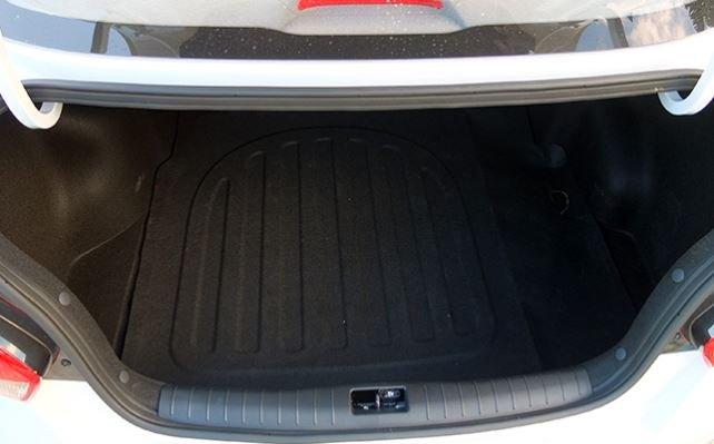 Đánh giá xe Kia Soluto 2019 về khoang hành lý - Cổ điển, quen thuộc nhưng cần cải thiện