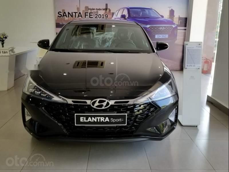 Hyundai Elantra 1.6 turbo năm 2019, màu đen, 749 triệu (1)