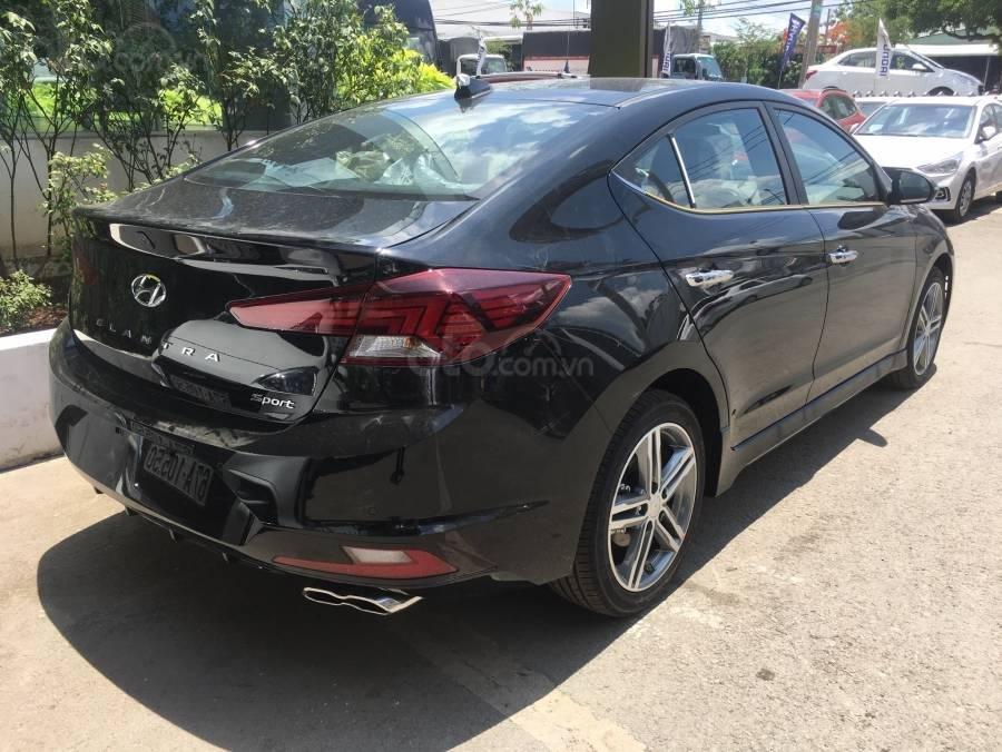 Hyundai Elantra 1.6 turbo năm 2019, màu đen, 749 triệu (3)