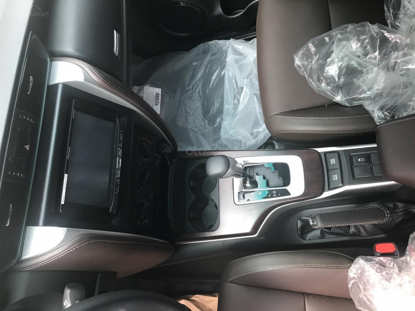 Toyota Tân Cảng bán Fortuner 2.4G máy dầu, số tự động, xe đủ màu giao ngay - trả trước 280tr nhận xe, 0933000600 (2)