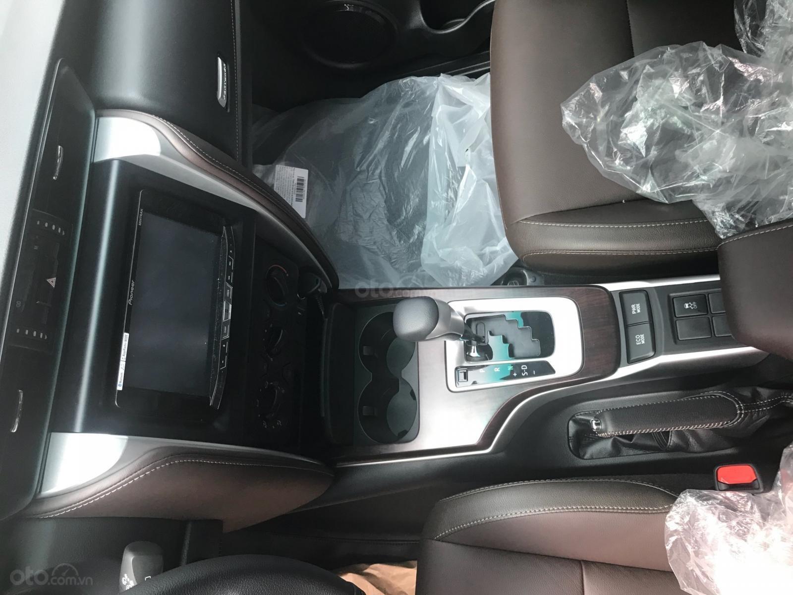 Toyota Tân Cảng Fortuner 2.4G máy dầu, tự động, xe giao ngay đủ màu 280tr nhận xe - LH 0933000600 (3)
