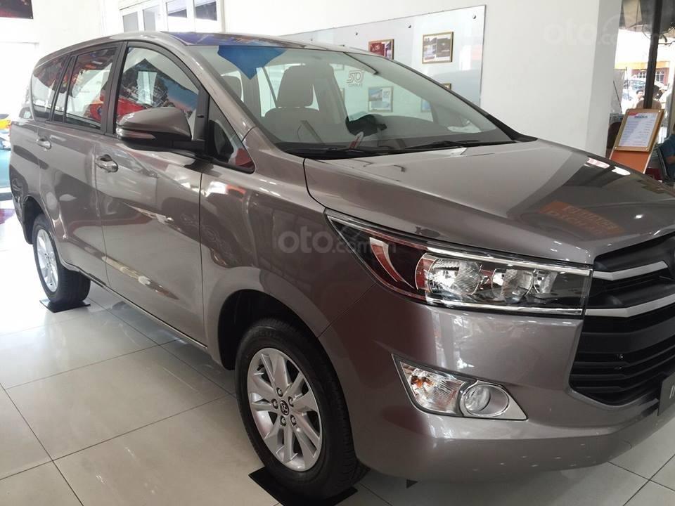Toyota Tân Cảng - Innova số sàn - Ưu đãi lớn chỉ 200tr nhận xe, Hotline 0933000600 (3)