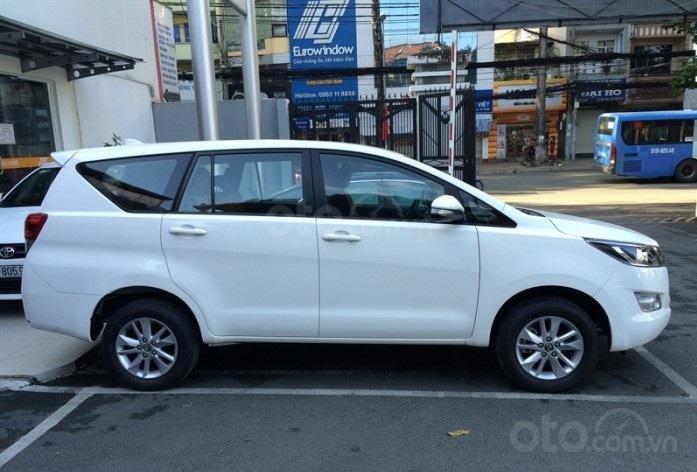 Toyota Tân Cảng bán Innova số sàn - Ưu đãi lớn - chỉ 200tr nhận xe, liên hệ hotline 0933000600 (4)