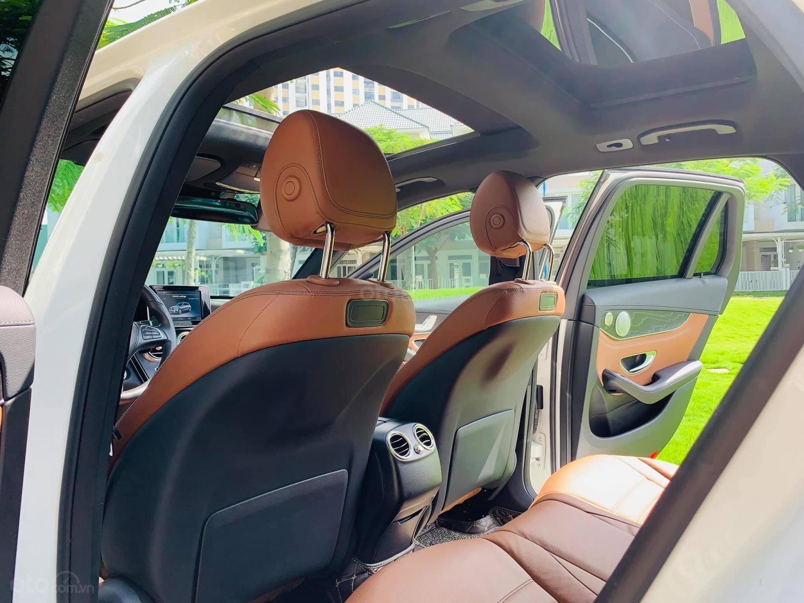 Bán xe Mercedes GLC300 4Matic 2018 có Apple Carplay, trả trước 800 triệu nhận xe ngay (12)
