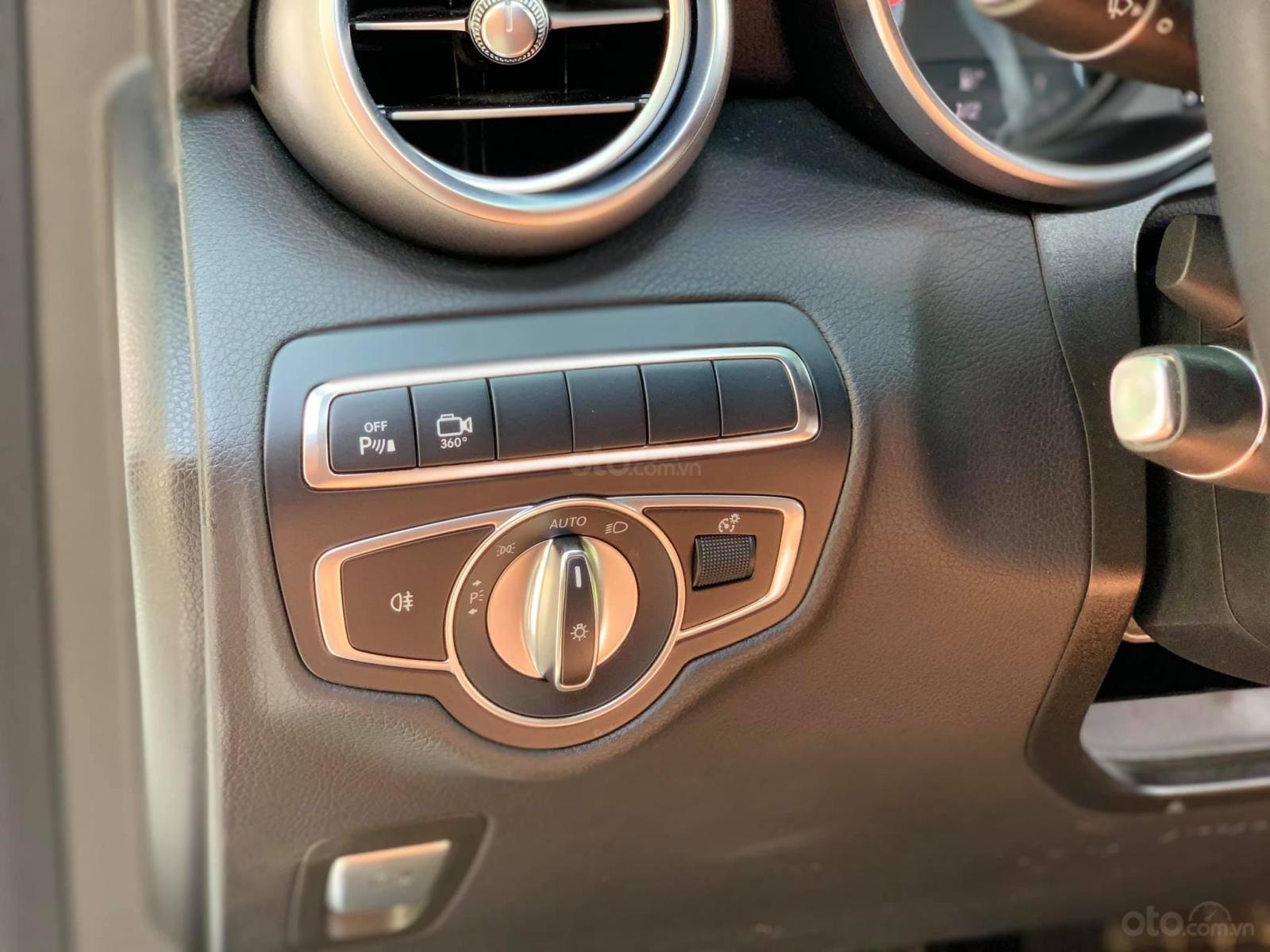 Bán xe Mercedes GLC300 4Matic 2018 có Apple Carplay, trả trước 800 triệu nhận xe ngay (14)