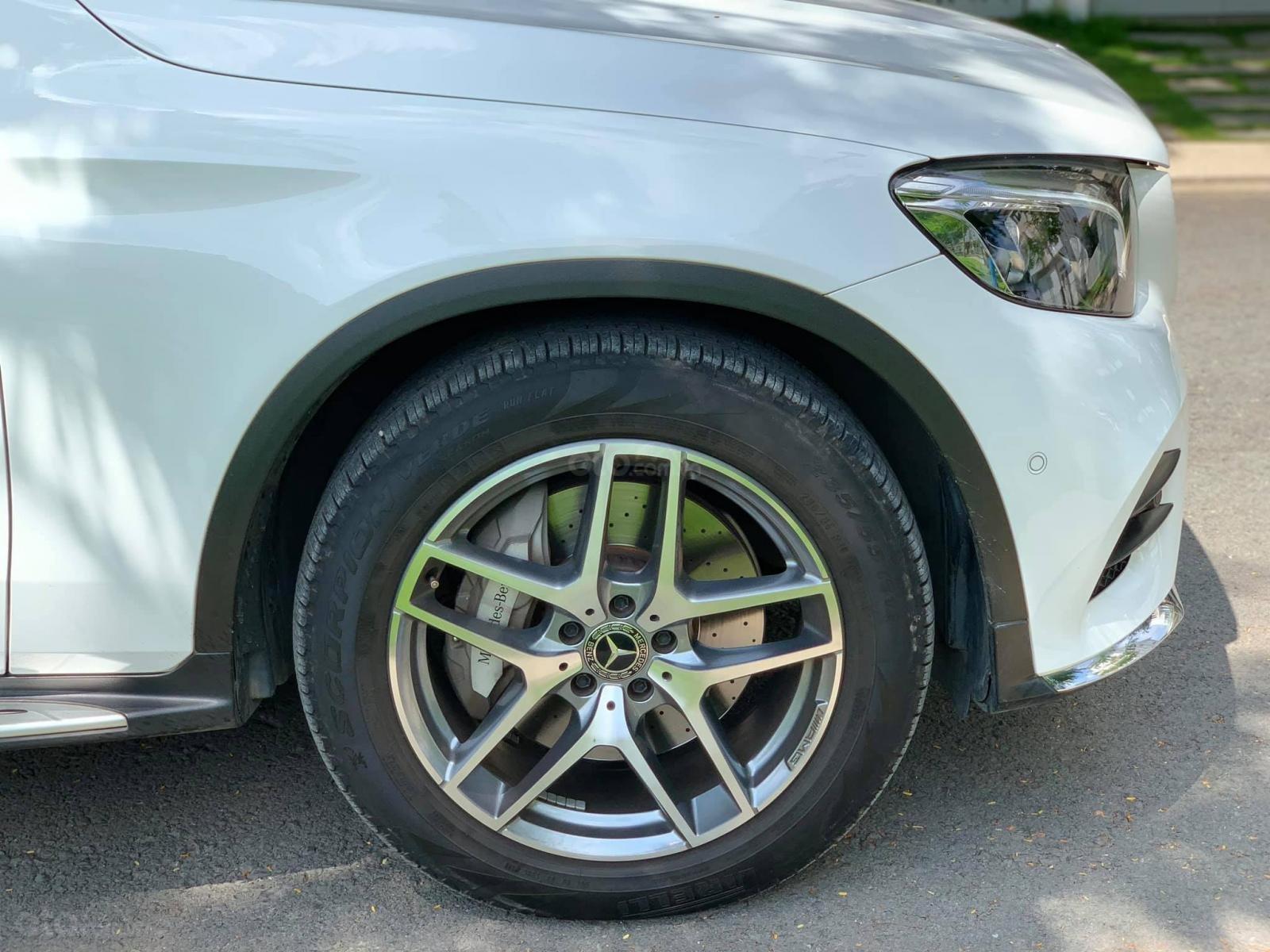 Bán xe Mercedes GLC300 4Matic 2018 có Apple Carplay, trả trước 800 triệu nhận xe ngay (21)