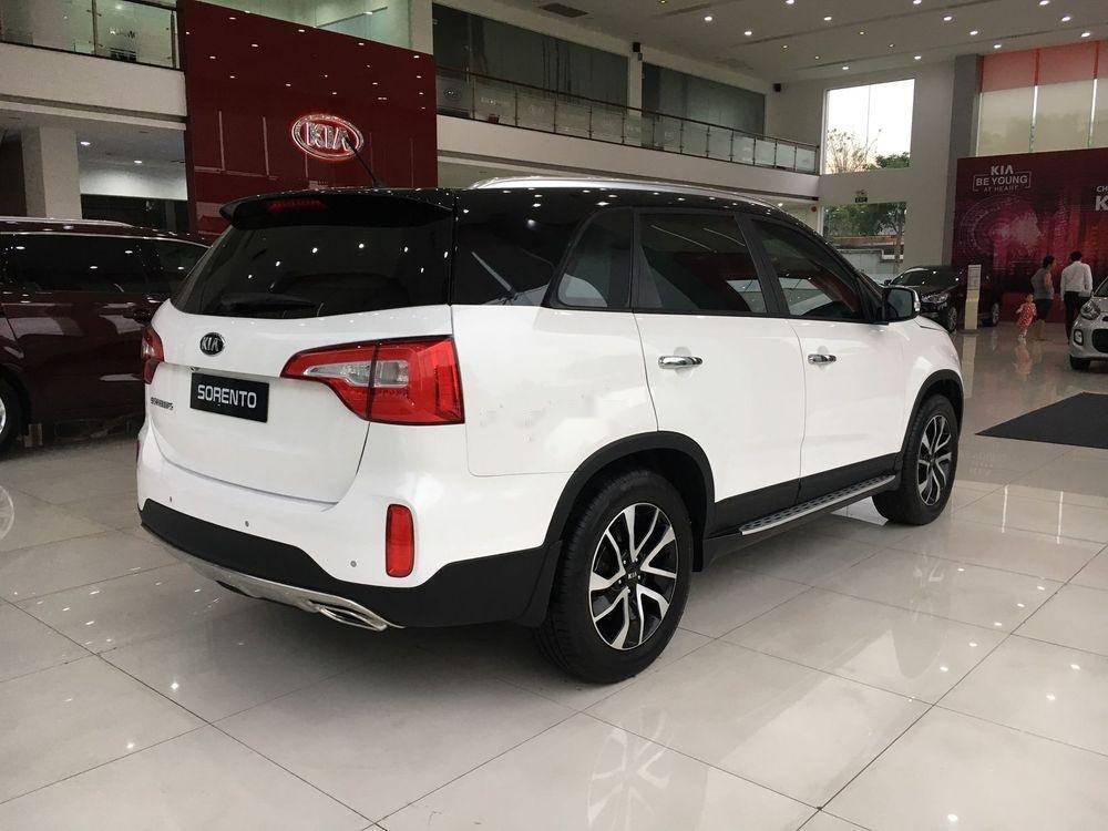 Cần bán xe Kia Sorento sản xuất năm 2019, màu trắng (2)