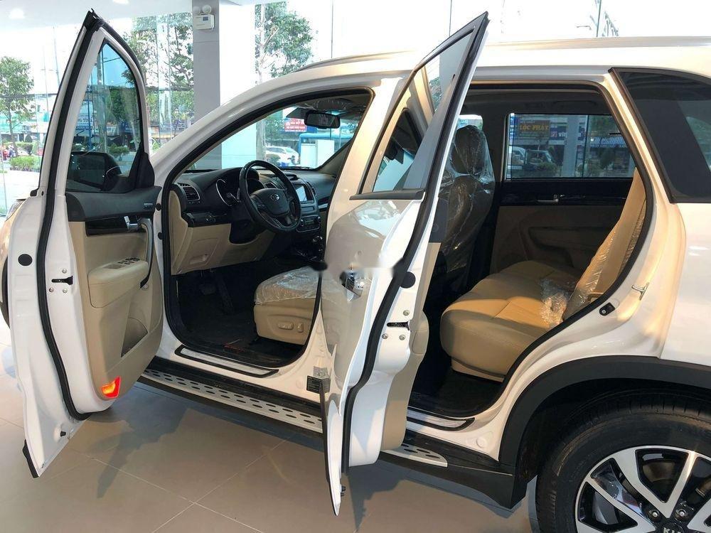 Cần bán xe Kia Sorento sản xuất năm 2019, màu trắng (3)