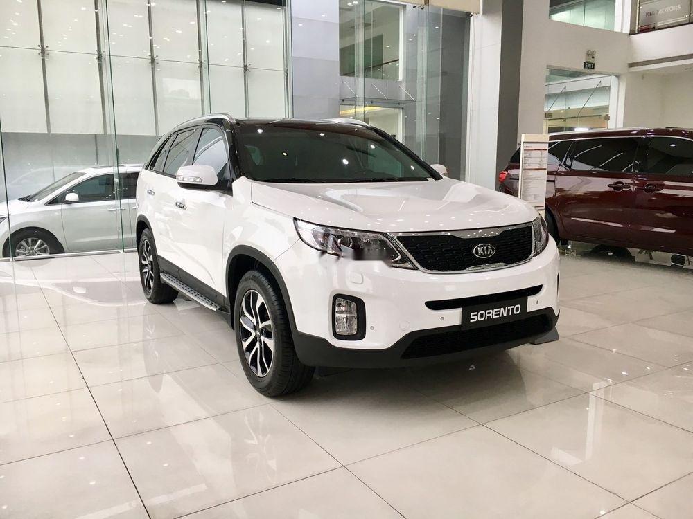 Cần bán xe Kia Sorento sản xuất năm 2019, màu trắng (1)