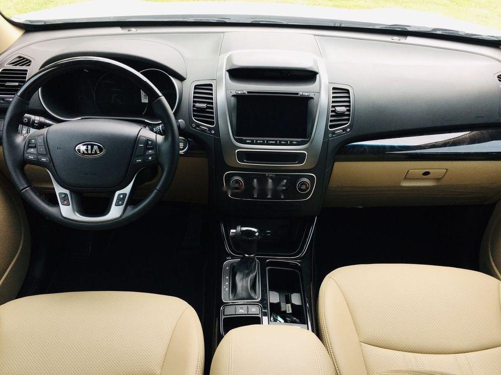 Cần bán xe Kia Sorento sản xuất năm 2019, màu trắng (4)