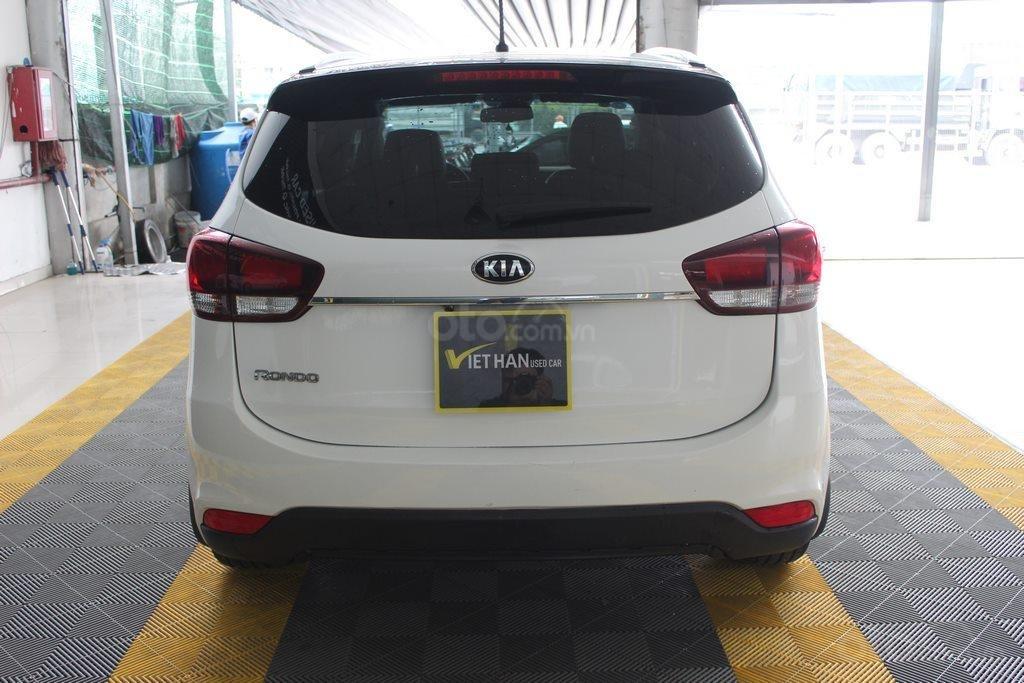 Cần bán xe Kia Rondo GAT 2.0AT 2017, màu trắng, giá cạnh tranh (3)
