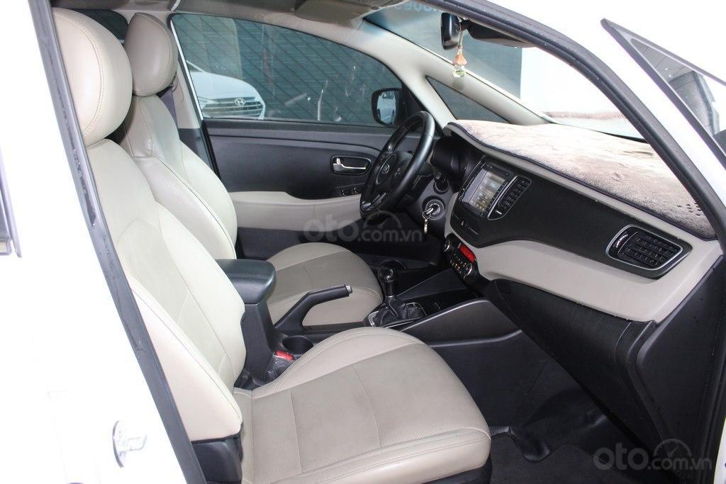 Cần bán xe Kia Rondo GAT 2.0AT 2017, màu trắng, giá cạnh tranh (6)