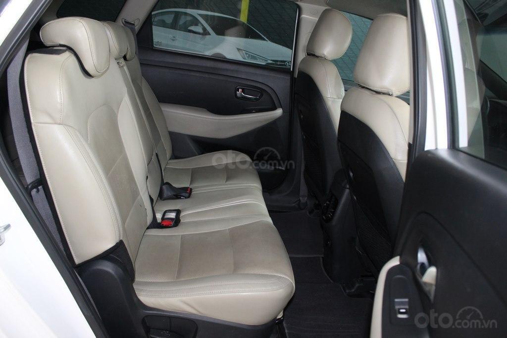 Cần bán xe Kia Rondo GAT 2.0AT 2017, màu trắng, giá cạnh tranh (7)