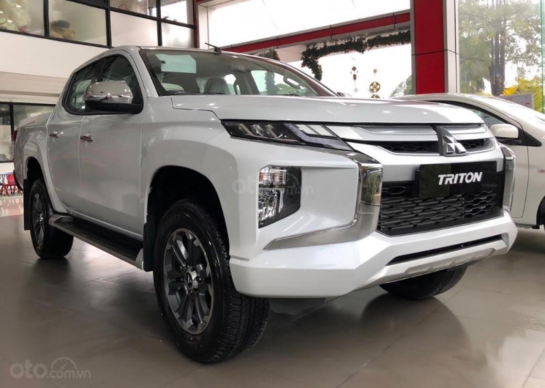 Bán Mitsubishi Triton 4x4 AT Mivec đời 2019, màu trắng, nhập khẩu nguyên chiếc, 807tr (2)